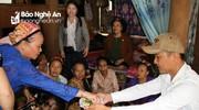 Phong tục lạ: Chú rể được nhà gái biếu tiền trong lễ cưới