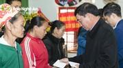 Lãnh đạo tỉnh thăm, tặng quà nhân dịp Tết Nguyên đán Tân Sửu