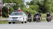 Đoàn gần 40 người đi xe máy từ thành phố Hồ Chí Minh về quê qua Nghệ An