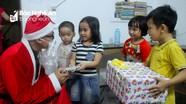 """TP.Vinh: """"Sốt"""" dịch vụ ông già Noel mùa Giáng sinh"""