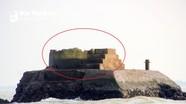Cận cảnh ngọn hải đăng gãy đổ gây khó cho ngư dân Cửa Lò