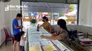 Giá vàng bất ngờ tăng gần 10 triệu đồng/lượng so ngày 12/8, tiệm vàng ở TP Vinh đìu hiu