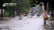 Mưa lớn giữa trưa, nhiều tuyến đường ở TP.Vinh bị ngập