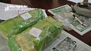 Thưởng nóng Ban chuyên án bắt nữ quái tàng trữ 2,1kg ma túy đá