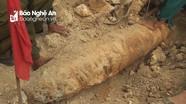 Phát hiện quả bom nặng 270 kg trong nhà dân