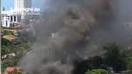 Cháy ở cửa hàng vật liệu xây dựng, khói bao trùm cả khu Cửa Tiền