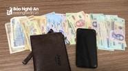 Dùng điếu cày đập vào khách đang uống cà phê để cướp ví tiền