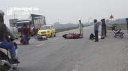 2 xe máy đâm nhau, 2 người đàn ông bị thương nặng