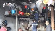 Tiệm tạp hóa ở Nghệ An bốc cháy dữ dội