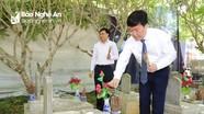 Chủ tịch UBND tỉnh Nguyễn Đức Trung dâng hương tại Nghĩa trang liệt sĩ quốc tế Việt - Lào