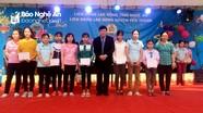 Tổng Giám đốc Đài Tiếng nói Việt Nam trao quà Tết công nhân, gia đình khó khăn
