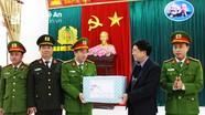 Đồng chí Nguyễn Văn Thông thăm, chúc Tết người nghèo, cán bộ, chiến sỹ huyện Tương Dương