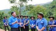 Tỉnh đoàn thăm, tặng quà các đội thanh niên tình nguyện