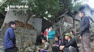 """Dân bức xúc vì """"cát tặc"""" ngang nhiên rút ruột sông Lam"""