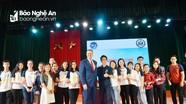 Sinh viên Đại học Vinh gây ấn tượng mạnh với Đại sứ Hoa Kỳ