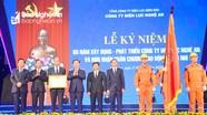 Phó Thủ tướng Vương Đình Huệ trao Huân chương Lao động cho Công ty Điện lực Nghệ An