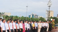 Đại biểu dự Đại hội Thi đua yêu nước tỉnh Nghệ An dâng hoa, tưởng niệm Chủ tịch Hồ Chí Minh