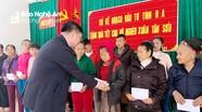 Sở Kế hoạch và Đầu tư Nghệ An tặng quà Tết cho gia đình chính sách và hộ nghèo