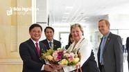 Chủ tịch UBND tỉnh Nghệ An tiếp xã giao đoàn công tác Thứ trưởng Bộ Ngoại giao Anh