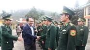 Bí thư Đảng ủy Khối Các cơ quan tỉnh chúc Tết lực lượng vũ trang, gia đình chính sách ở Thanh Chương