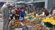 Hàng hoa quả đắt khách, tăng giá mạnh