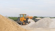 Nghệ An: Đê biển bị chiếm dụng kinh doanh vật liệu xây dựng