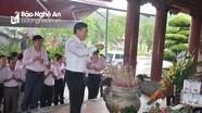 Đoàn công tác Ngân hàng CSXH tri ân người có công tại Nghệ An