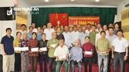 Ngành Ngân hàng trao 100 phần quà trị giá 300 triệu đồng cho các thương binh tại Nghệ An