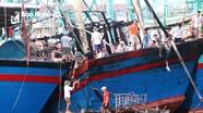 Tàu cá Nghệ An bốc cháy trong đêm vừa từ Hoàng Sa trở về
