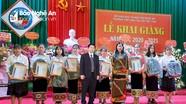 Sacombank Chi nhánh Nghệ An trao 55 suất học bổng cho học sinh nghèo học giỏi