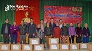 VSIP Nghệ An tặng gần 300 suất quà Tết cho người nghèo TP Vinh và Hưng Nguyên