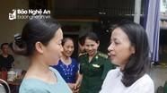 Báo Nghệ An thăm hỏi, trao quà hỗ trợ trinh sát biên phòng Nguyễn Đình Tài