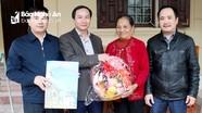 Báo Nghệ An thăm, tặng quà Tết Bà mẹ Việt Nam anh hùng, thân nhân liệt sỹ