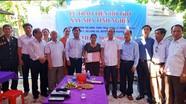 Trao 50 triệu đồng hỗ trợ xây nhà tình nghĩa cho thân nhân liệt sỹ ở Hưng Nguyên