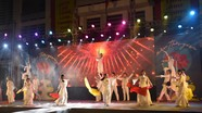 Sôi động đêm hội chào mừng khóa 100 của trường THPT Huỳnh Thúc Kháng