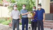 Báo Nghệ An thăm, tặng quà Bà mẹ Việt Nam anh hùng, thân nhân liệt sỹ ngày 27/7
