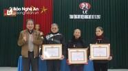 Các địa phương trao tặng Huy hiệu Đảng cho các đảng viên