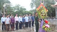 Đoàn đại biểu Quốc hội khu vực 9, CHDCND Lào dâng hương tại Nghĩa trang Liệt sỹ quốc tế Việt - Lào