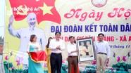 Bí thư Tỉnh ủy Nguyễn Đắc Vinh chung vui Ngày hội Đại đoàn kết với nhân dân thôn Tân Thắng