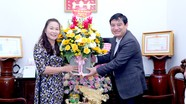 Bí thư Tỉnh ủy chúc mừng nhà giáo tiêu biểu nhân Ngày Nhà giáo Việt Nam