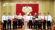 Thường trực Tỉnh ủy Nghệ An gặp mặt 7 cán bộ nghỉ hưu theo chế độ