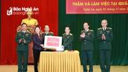 Chủ tịch Quốc hội Nguyễn Thị Kim Ngân thăm và làm việc với Quân khu 4