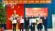 Ban Thường vụ Tỉnh ủy Nghệ An trao tặng Huy hiệu Đảng cho 4 đồng chí công tác tại cơ quan Tỉnh ủy