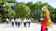Đoàn đại biểu HĐND tỉnh khóa XVIII, nhiệm kỳ 2021-2026 dâng hương tưởng niệm Chủ tịch Hồ Chí Minh