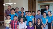 Phó Bí thư Tỉnh ủy cùng nhóm thiện nguyện thăm gia đình Đại úy Nguyễn Đình Tài