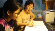 Mẹ mất vì ung thư, nữ sinh nghèo nuôi ước mơ trở thành bác sỹ giỏi