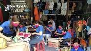 Tuổi trẻ vùng cao Nghệ An may khẩu trang phát miễn phí cho người dân phòng chống dịch Covid - 19
