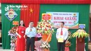 Trưởng ban Dân vận Tỉnh ủy dự lễ khai giảng tại trường THCS Nguyễn Trãi, Tân Kỳ
