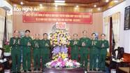 Bộ CHQS tỉnh tặng hoa chúc mừng Bộ đội Biên phòng Nghệ An nhân ngày truyền thống