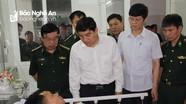 Lãnh đạo tỉnh thăm hỏi chiến sỹ biên phòng bị thương khi vây bắt kẻ ôm 20 bánh ma túy